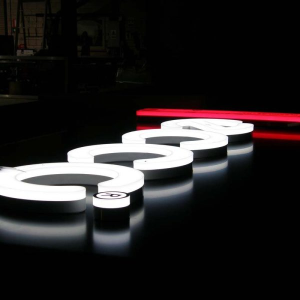 3D-illuminated-acrylic-letters-sign